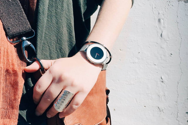 pebble time round smartwatch unveiled 12087820 1139975929365637 1824762743741151580 o