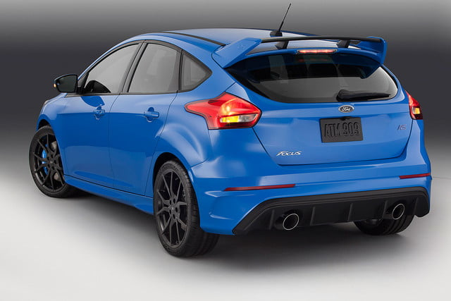 ford focus rs pricing performance specs news 16fordfocusrs 03 hr