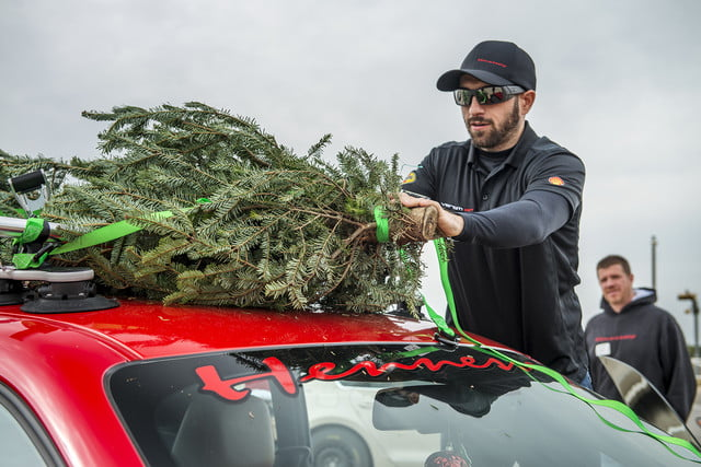 hennessey and dodge takes record for worlds fastest christmas tree 174mph 14