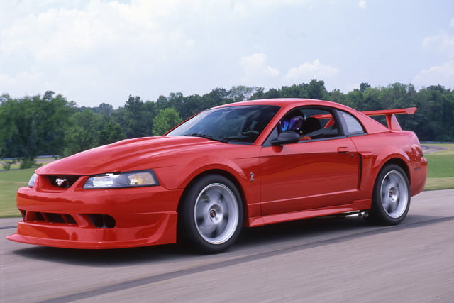 ford mustang history 2000 1