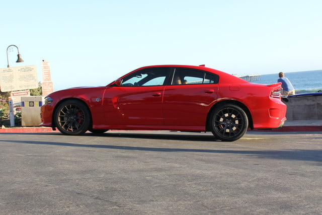 2015 Dodge Charger SRT Hellcat right