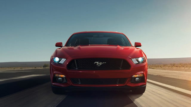 2015 Ford Mustang front_end_tarmac