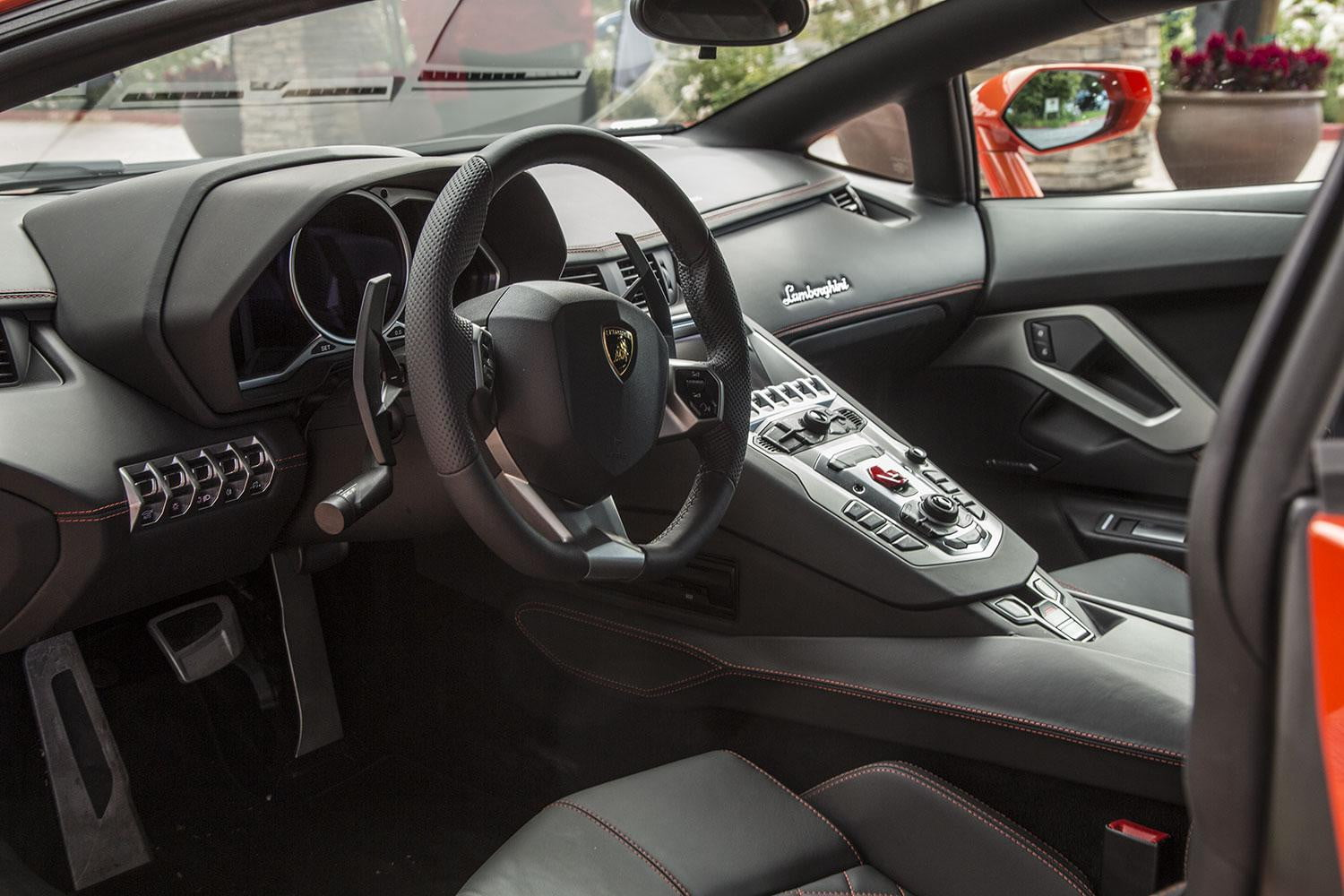 First drive 2015 lamborghini aventador digital trends for Interior lamborghini