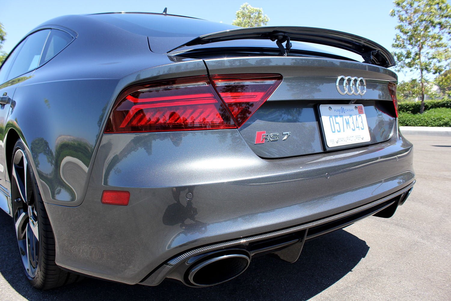 Performance Exhaust System >> 2016 Audi RS7 Performance Review | Digital Trends