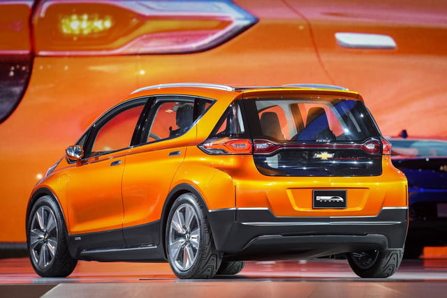 chevrolet will build electric bolt concept 2016 ev 008