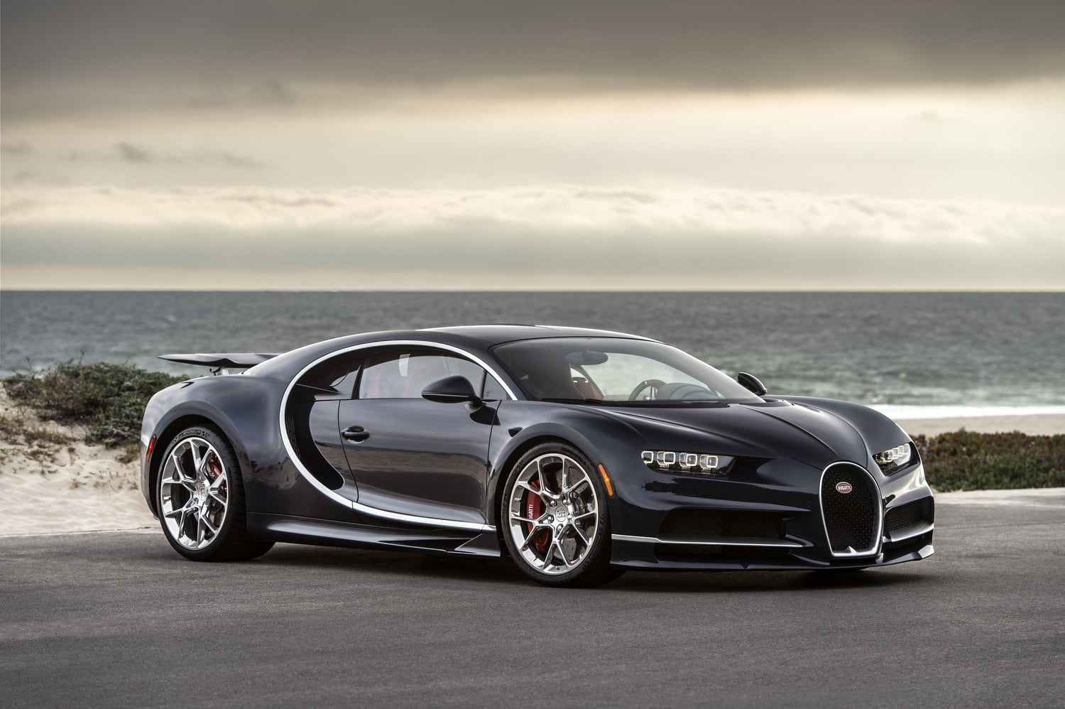 Bugatti Remotely Monitors Chiron Supercars With Racing Style