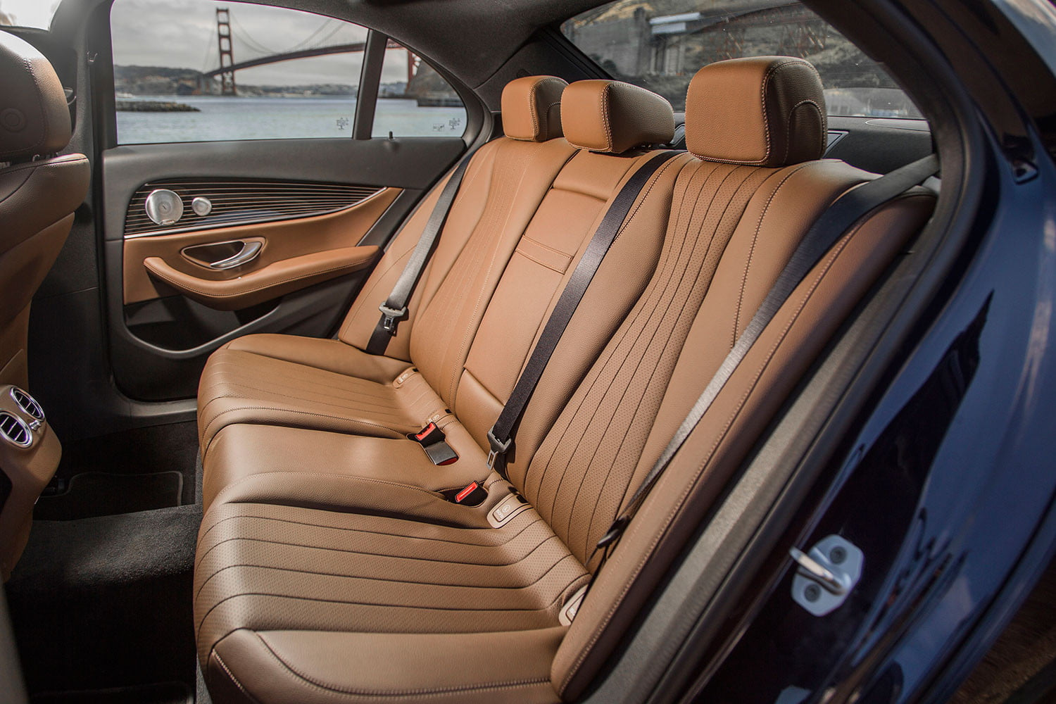 2017 mercedes benz e300 first drive digital trends for Mercedes benz interiors