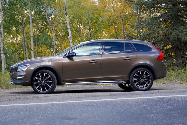 2017 volvo v60 cross country first drive side