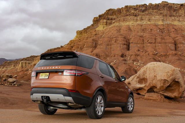 2017 land rover discovery first drive landrover review 000113