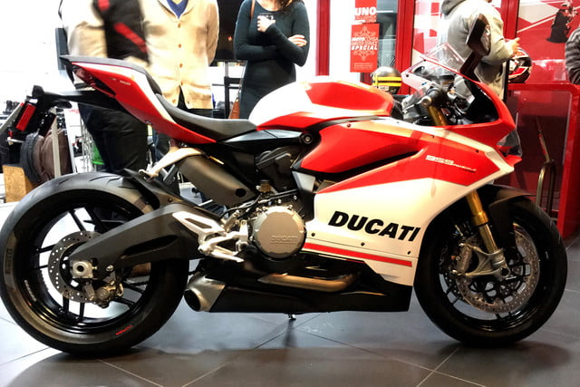 ducati 2018 motorcycle preview panigale 959 corse full2