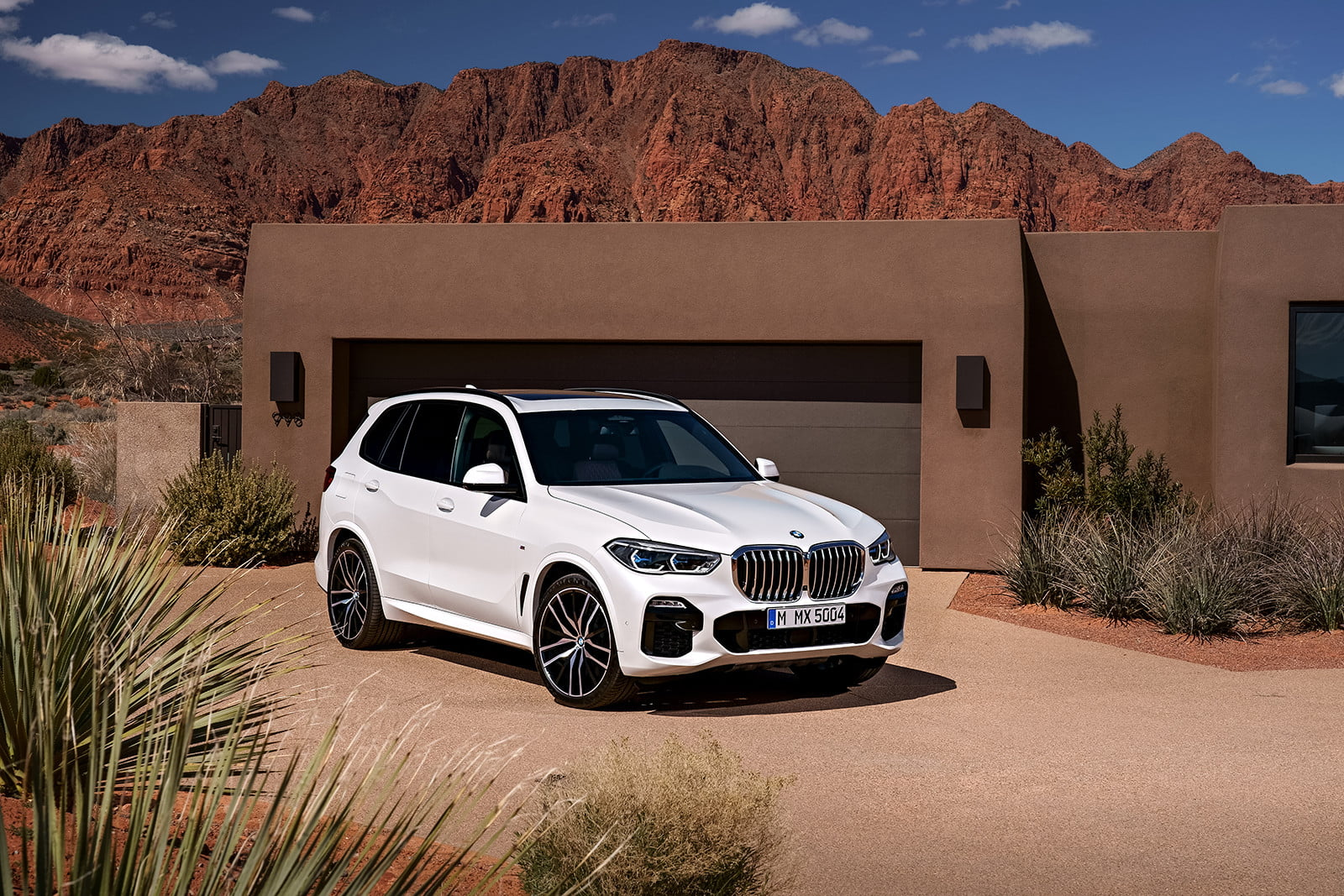 the 2019 bmw x5 is here to replace that aging family suv. Black Bedroom Furniture Sets. Home Design Ideas