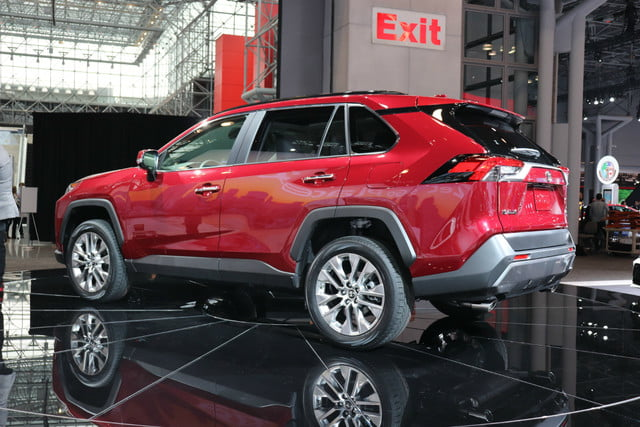 2019 Toyota Rav4 Arrives In New York With More Style New Tech