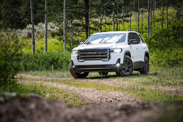 2020 GMC Acadia Refresh Brings Turbo-Four Engine, AT4 ...