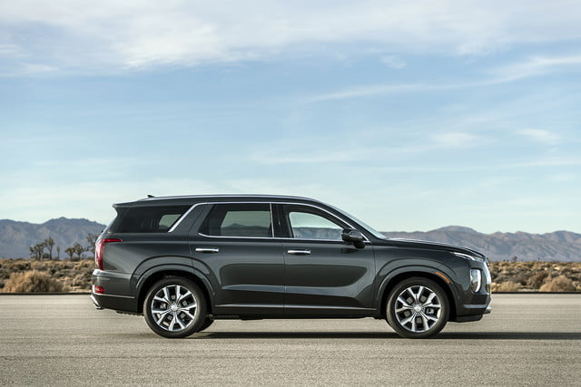 2020 hyundai palisade seats eight comes with useful tech 4