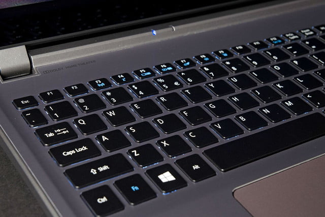 Acer Aspire M5 583P 6428 keyboard angle