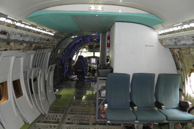 bruce campbell lives inside a boeing 727 airplane airplanehome 0016