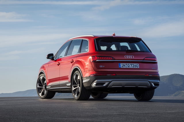 2020 Audi Q7 Three Row Suv Gets Updated Styling Tech Digital Trends