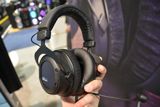 beyerdynamic custom game gaming headset ces 2017 04