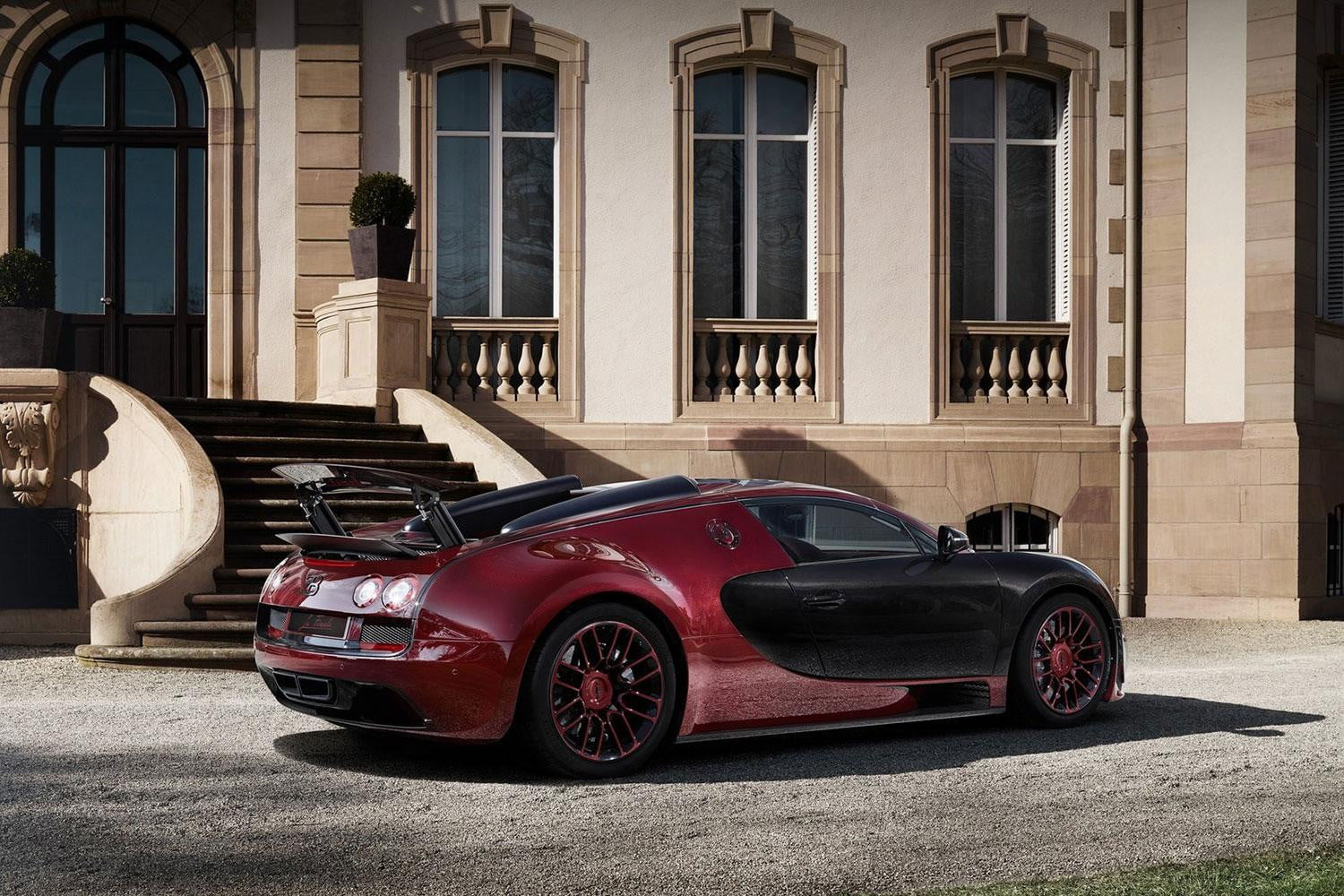 bugatti bows out the veyron with la finale the last model it will ever build. Black Bedroom Furniture Sets. Home Design Ideas