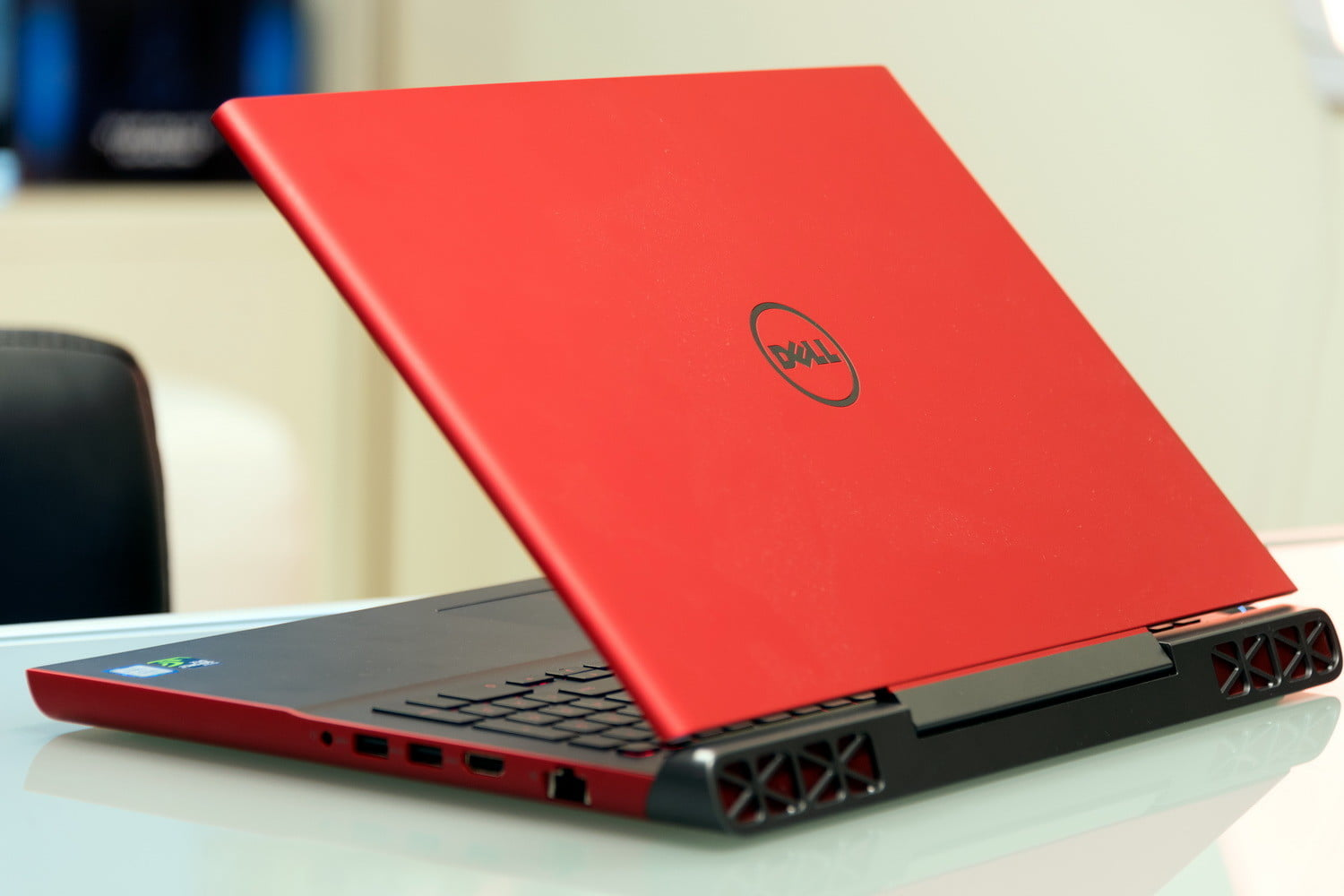 dell inspiron 15 gaming budget gaming laptop review digital trends. Black Bedroom Furniture Sets. Home Design Ideas
