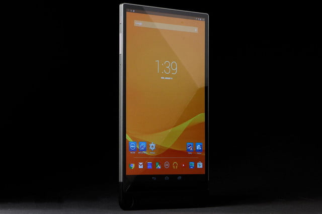 Dell Venue 8 7000 front angle on 2