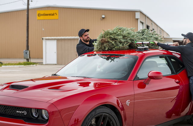 hennessey and dodge takes record for worlds fastest christmas tree 174mph 16