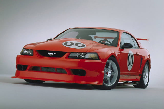 ford mustang history 2000 2