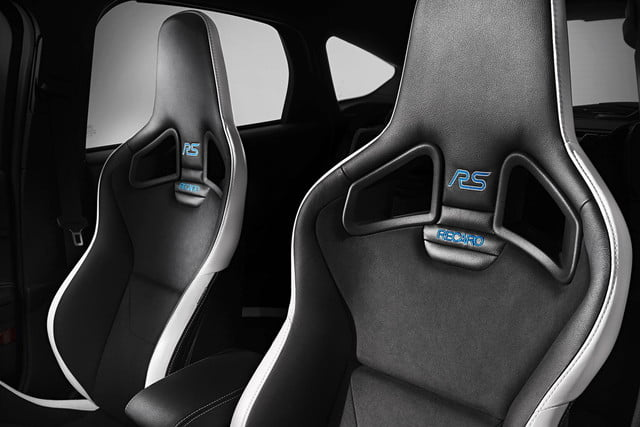 2016 Ford Focus RS seats