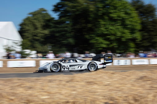 Volkswagen I D  R Sets Electric-Car Record at Goodwood Hill