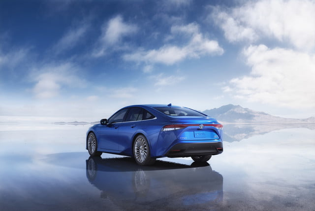 toyota says there is no demand for electric vehicles in america 2021 mirai 012