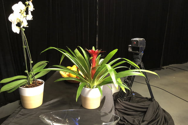 red lucid 4v holographic camera coming 3d demo