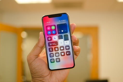 Apple is still working on an iPhone without the notch, new patent reveals