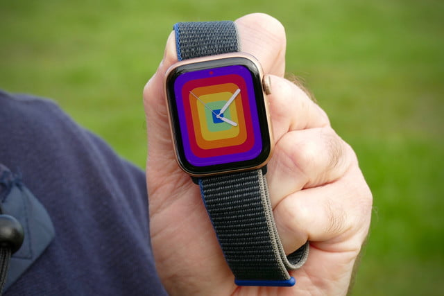 apple watch se review pride face