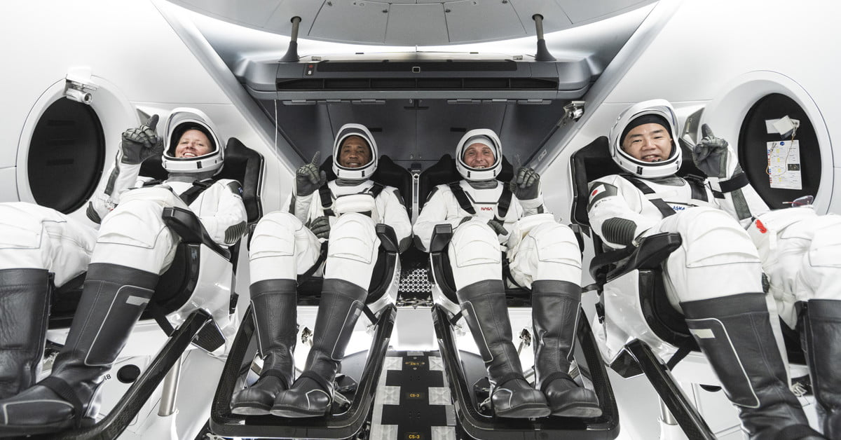 NASA and SpaceX set new launch date for first operational Crew Dragon flight