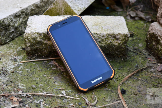 doogee s40 review sssh its tired and resting on a stone
