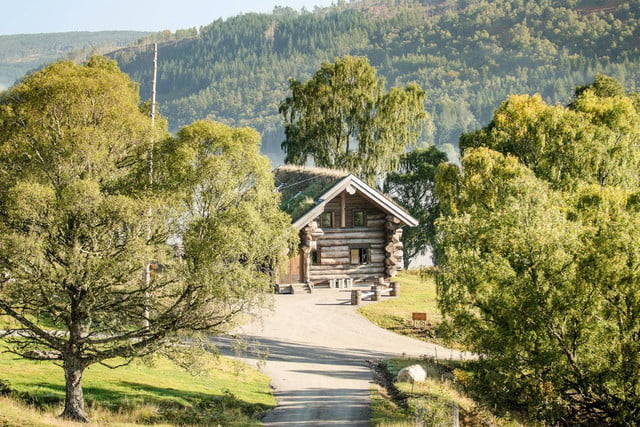 retreat from society and relax in these idyllic cabins around the world eagle brae highland log 5