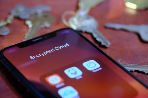 iCloud doesn't encrypt your data but these cloud storage apps do
