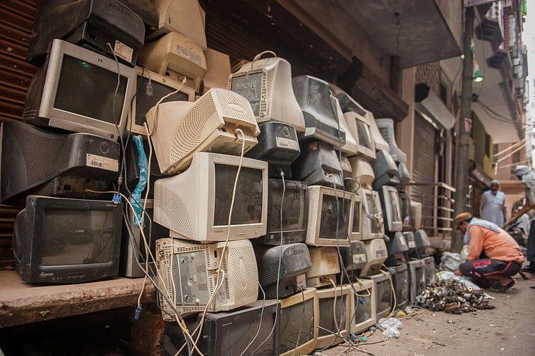 collapse os after societys inside seelampur  india s largest e waste scrapyard