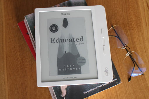 Kobo Libra H20 Review: Can It Beat Amazon's Kindle Oasis