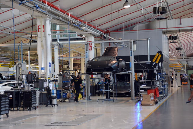 lamborghini factory tour pictures production process 0138