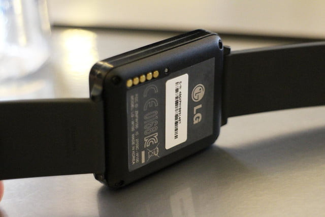 lg g watch news hands on back