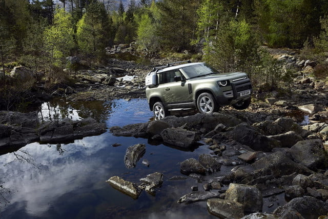 2020 land rover defender boasts rugged style usable tech lr def 20my 90 dynamic 100919 05