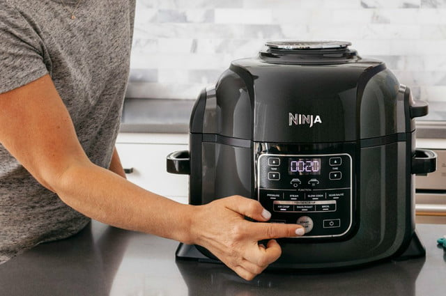 best buy drops air fryer prices from power ninja cuisinart and philips  foodi with tendercrisp 6 5 quart multi cooker 4