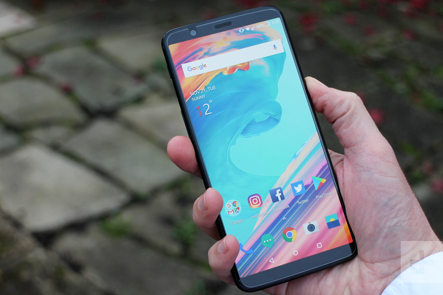 These OnePlus 5T Tips and Tricks will Help you Master your