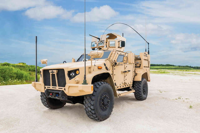 oshkosh 6 75b military contract pictures specs news jltv 0016