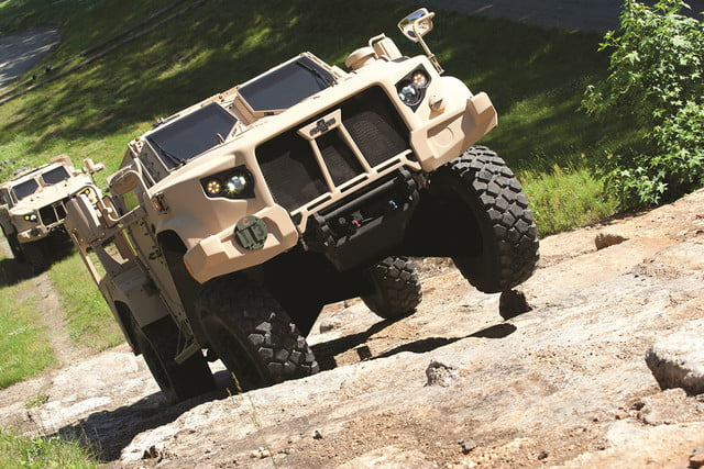 oshkosh 6 75b military contract pictures specs news jltv 006