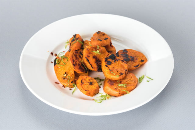 nomiku sous chef 2017 charred sweet potatoes with lime and cumin dish 21 01