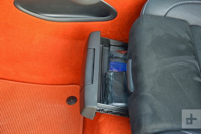 Volvo XC40 seat compartment