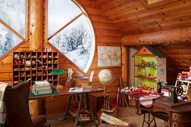 zillow lists and shows off home of santa 2 santas house toyoffice 077