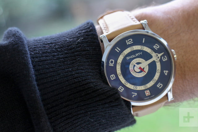 SNGLRTY watch wrist face angle